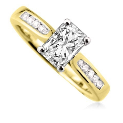 Radiant Diamond Shoulder Set Ring DHDOMDSE4RA Image